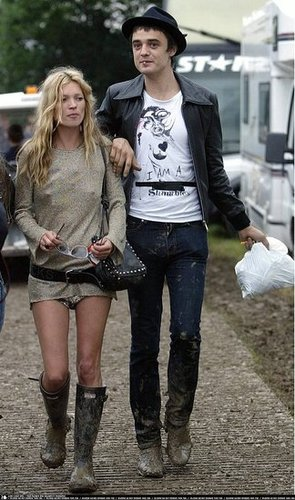 It used to be pretty inspiring couple. Here at Glastonbury Festival