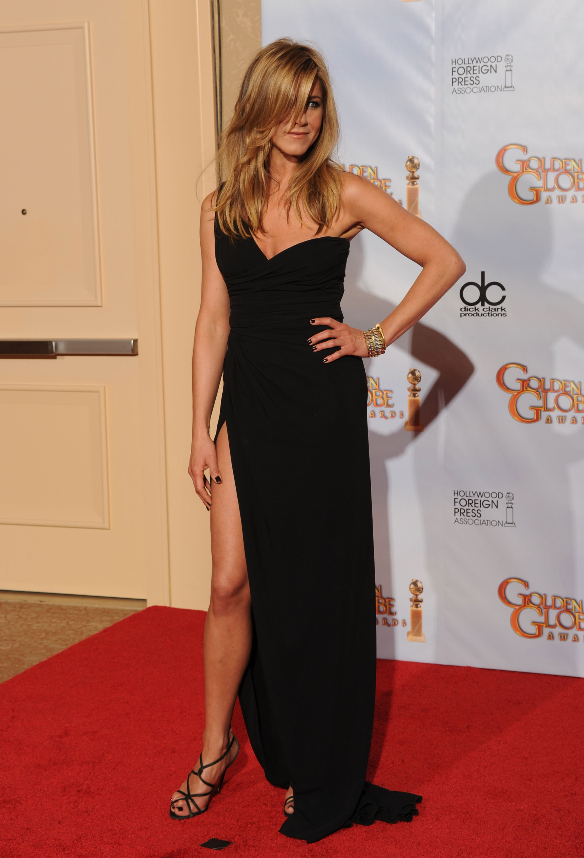 Jennifer Aniston 39 S Golden Globe Legs Photos Popsugar