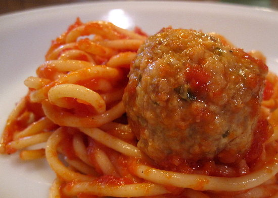 Delicious and Classic Spaghetti and Meatball Recipe