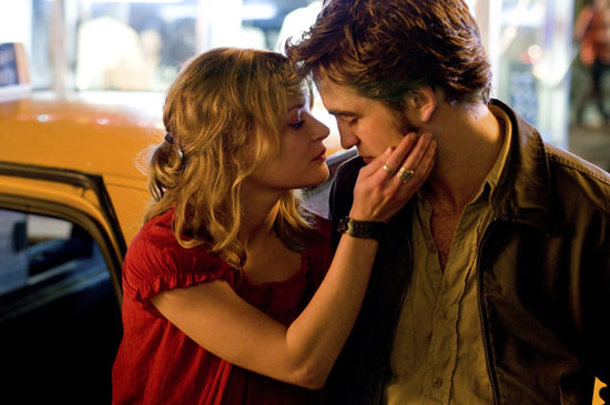 """Review of Robert Pattinson and Emilie de Ravin in """"Remember Me"""""""