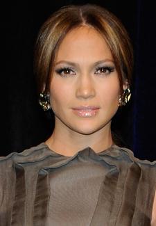 Jennifer Lopez in Talks to Star in Overboard Movie Remake