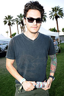 John Mayer Says He's Breaking up With Twitter Do You Believe Him? 2010-04-24 08:00:00