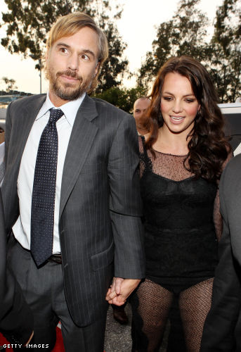 Britney Spears Confirms Professional Split From Boyfriend Jason Trawick
