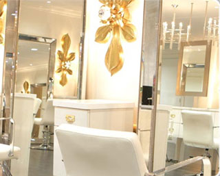 De Berardinis Salon Has New iPads For Clients to Play With