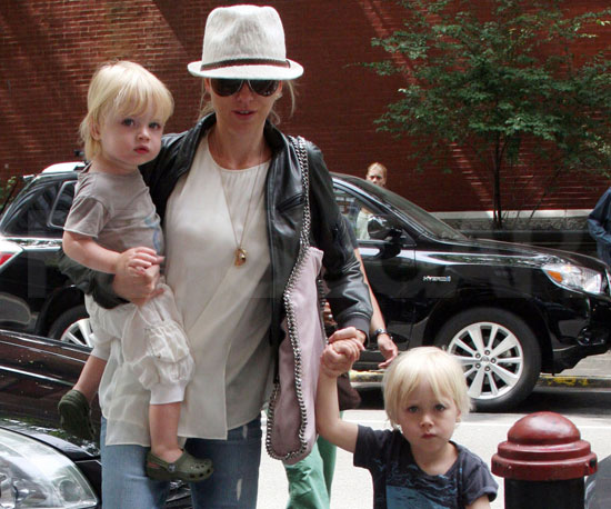 Slide Picture of Naomi Watts with Sam and Sasha in New York