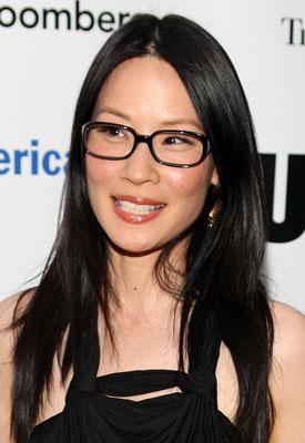 Wearing Makeup With Black Eyeglasses