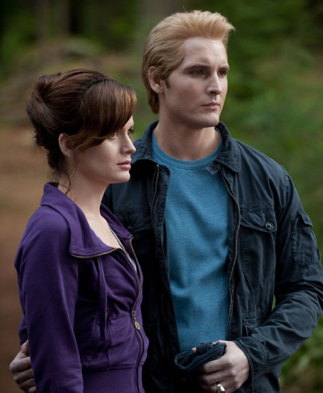 Peter Facinelli as Carlisle Cullen