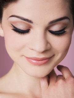 How to Do Winged Eyeliner 2010-08-19 08:00:16