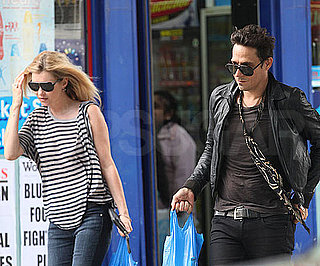 Slide Picture of Kate Moss and Jamie Hince in London 2010-07-17 10:00:47