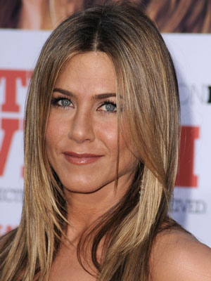 Jennifer Aniston's Makeup at The Switch Premiere 2010-08-17 11:05:19