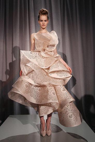 Spring 2011 New York Fashion Week: Marchesa 2010-09-15 16:30:45