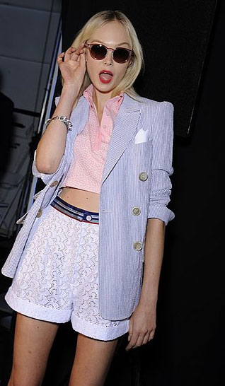 Surprised to see me!? Incredulous expressions and lots of fun at Tommy Hilfiger.