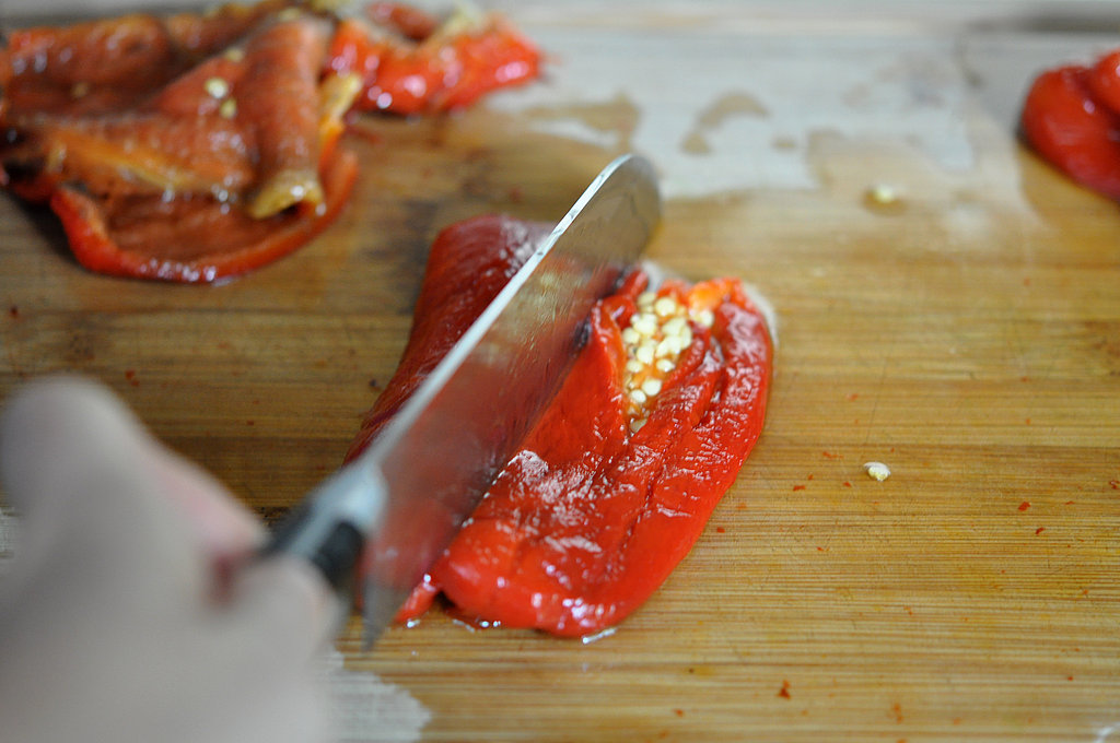 Cut the pepper in half and clean the seeds.
