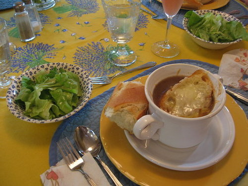 Soup A` L'Oignon (French Onion Soup)
