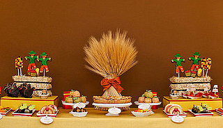 Amy Atlas Thanksgiving Dessert Table 2010-11-16 10:33:16