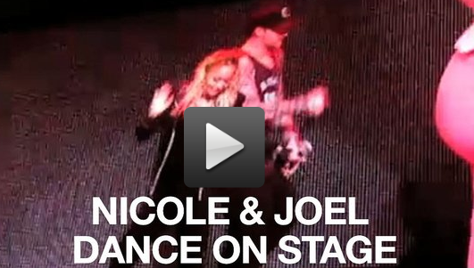 Video of Nicole Richie and Joel Madden on Stage at the Yo Gabba Gabba Show in LA 2010-11-29 12:20:00