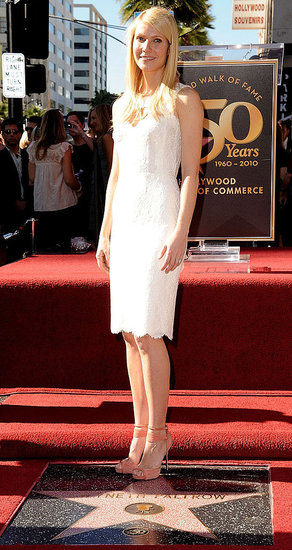 Pictures of Gwyneth Paltrow Getting Her Star on the Hollywood Walk of Fame 2010-12-13 14:00:00