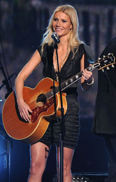 Interview with Gywneth Paltrow on Country Strong, Her Friendship With Beyonce, Glee, and More! 2011-01-04 11:24:00