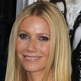 Gwyneth Paltrow Talks About Her Father and Postpartum Depression