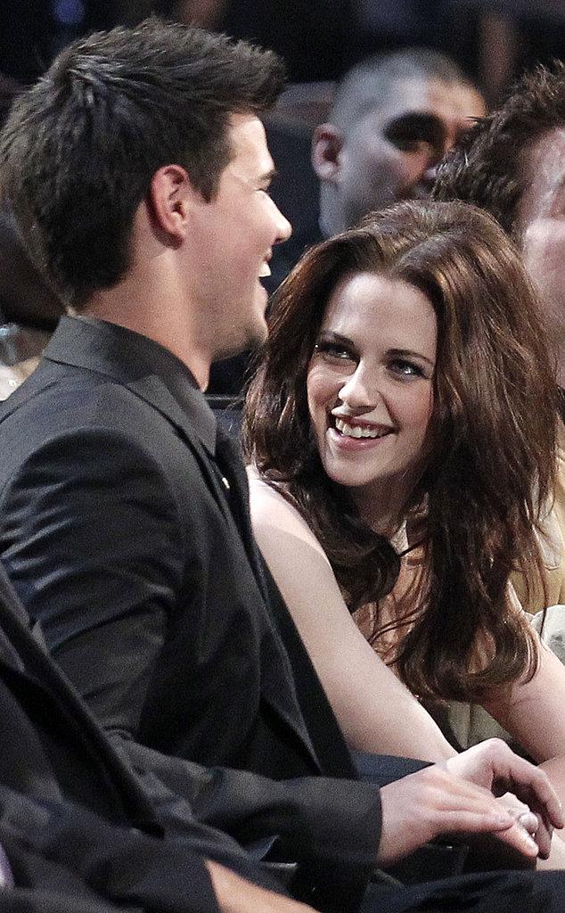 Kristen Stewart Hairstyle Tutorial: Her 2011 People's Choice Awards Look