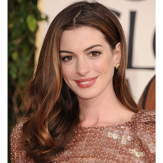 Anne Hathaway Golden Globes 2011: Pictures of Hair and Makeup