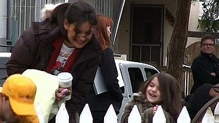 Video of Suri Cruise and Katie Holmes Watching Animals on the Set of Jack and Jill