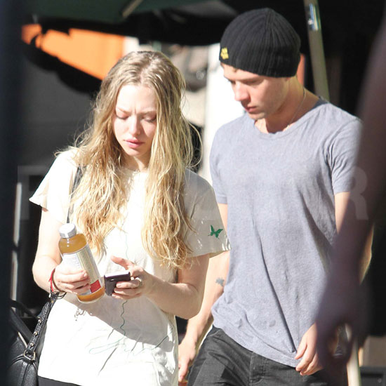 Amanda Seyfried and Ryan Phillippe Juice Up Their Romance