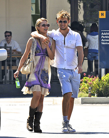 Dianna Agron and Alex Pettyfer Engaged