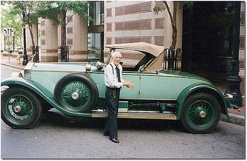 Man dies at 102 owns same car 82 years - great picture!