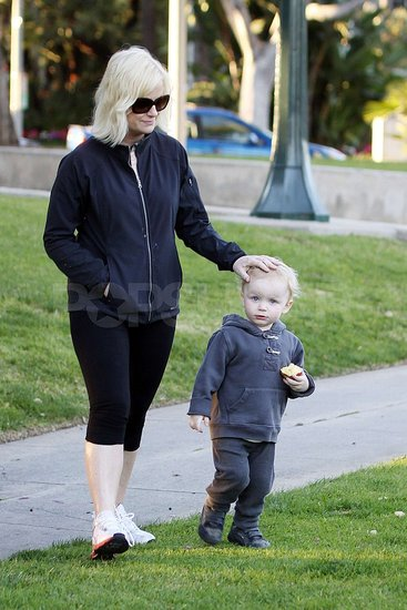 Pictures of Amy Poehler and Archie Arnett Spending a Day at the Park
