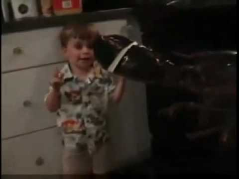 Boy Sees Lobster For the First Time