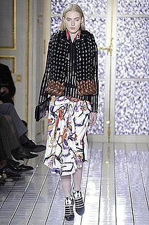 Fall 2011 Paris Fashion Week: Balenciaga 2011-03-03 12:21:22
