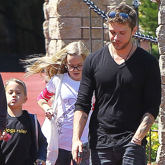 Pictures of Ryan Phillippe and Breckin Meyer With Their Children Visiting a Park in LA