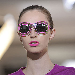 How to Wear Hot Pink Lipstick