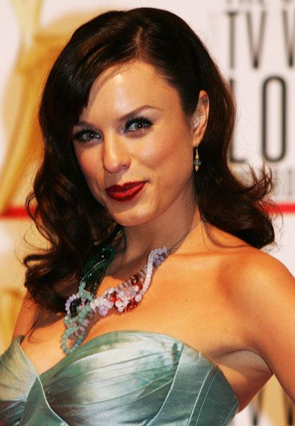 2009: Jessica McNamee