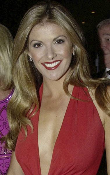 2002: Laura Csortan