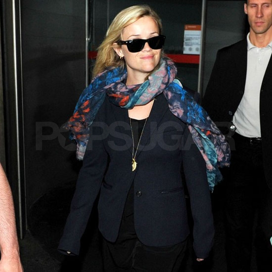Pictures of Reese Witherspoon in Paris 2011-04-27 12:07:17