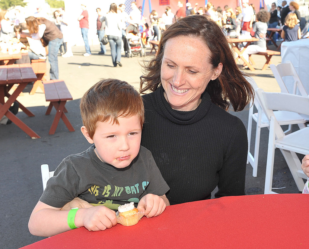 """Molly Shannon jokes you know you're a mother when...  """"You get thrown up on and don't care at all!"""""""