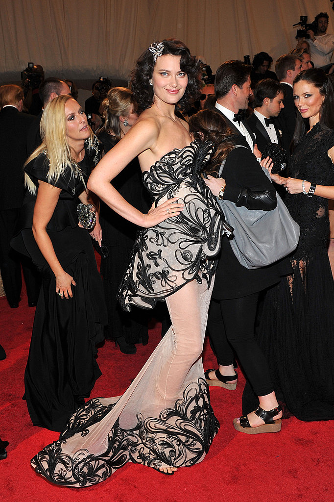Shalom Harlow in Marchesa.