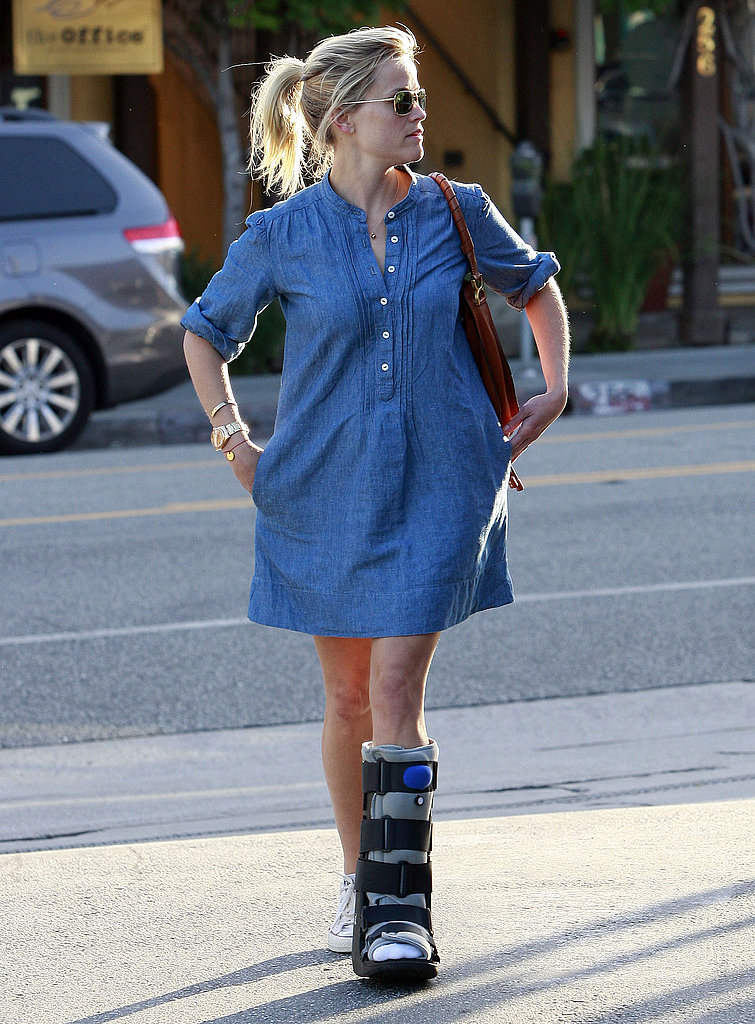 Reese Witherspoon Keeps on Smiling Despite a Twisted Ankle
