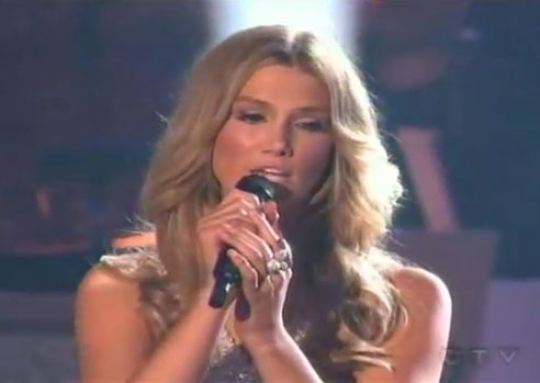 """Video of Delta Goodrem Singing """"I'm Not Ready"""" Duet With Michael Bolton on Dancing With the Stars America"""