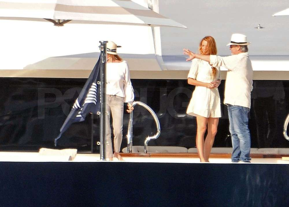 Leonardo DiCaprio and Blake Lively Cuddle Up in Cannes!