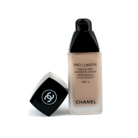 Chanel PRO LUMIÈRE Professional Finish Makeup SPF 15, $86