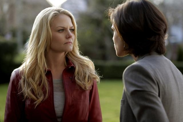 Jennifer Morrison and Lana Parrilla on ABC&#039;s Once Upon a Time.