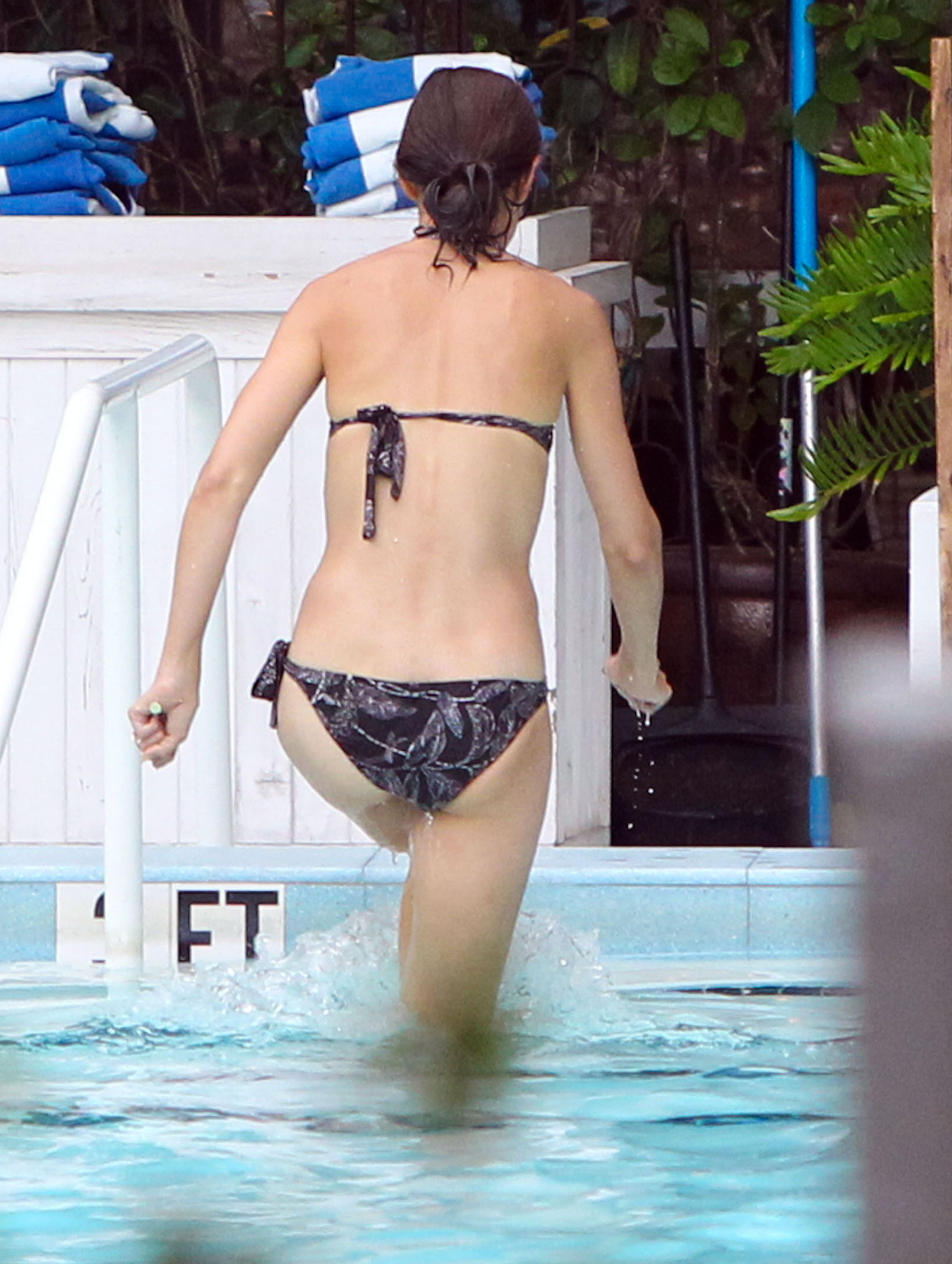 Katie Holmes Hot And Sexy Leaked