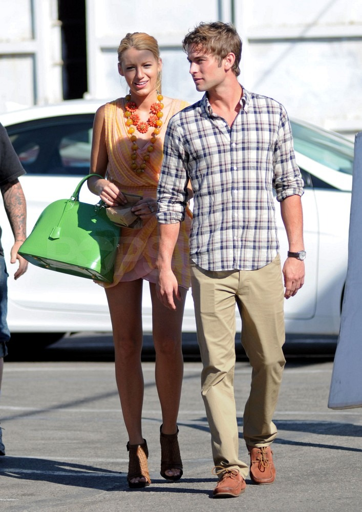 Leggy Blake Lively and Chace Crawford Hit the Venice Boardwalk For Gossip Girl