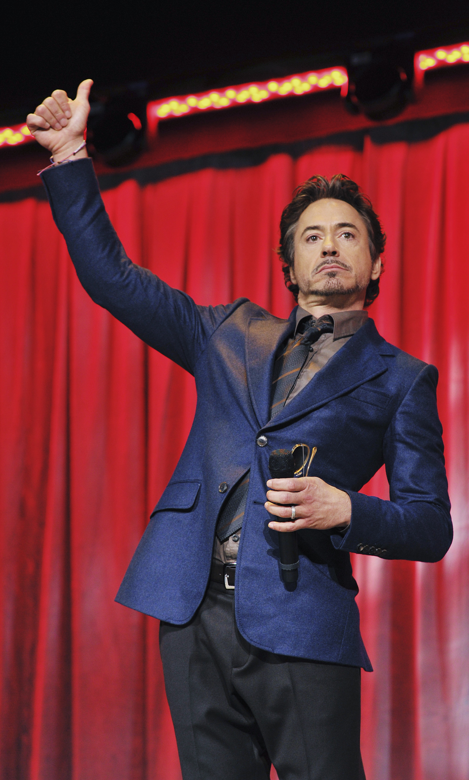 Robert Downey Jr. gave the audience a thumb's up.