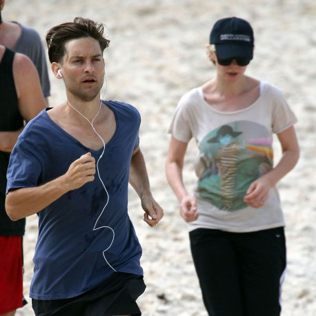 Tobey Maguire Pictures Running With Carey Mulligan