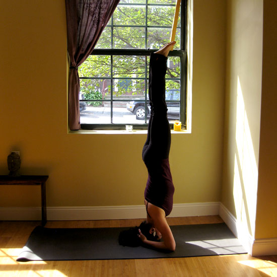How to Do Headstand in Yoga