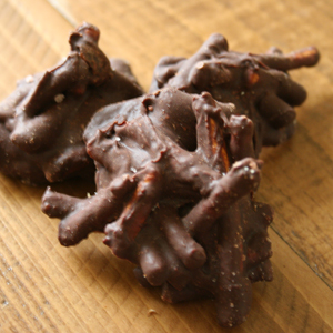 Homemade Chocolate Pretzel Clusters | POPSUGAR Food